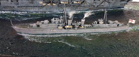 1/720 HMS Ark Royal + HMS Eskimo (kit Revell)